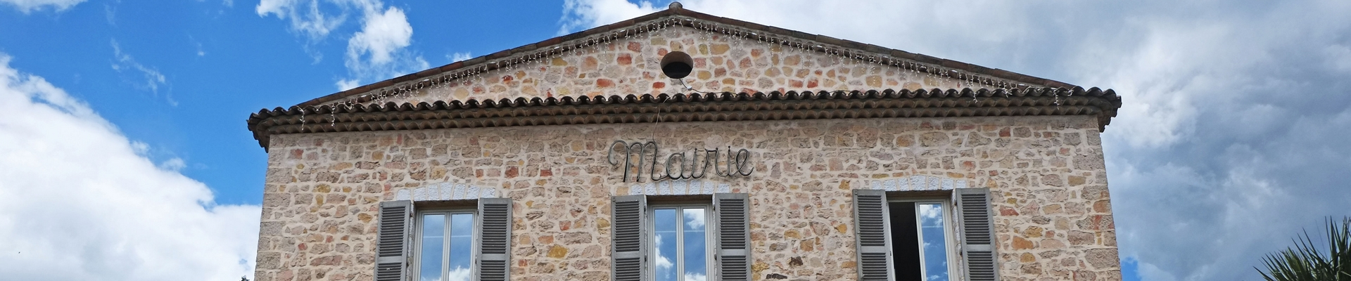Bandeau fronton Mairie Le Rrouret aujourdhui
